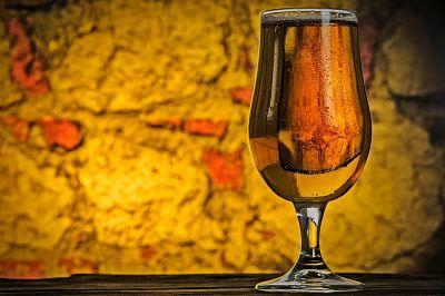 copa de cerveza artesana industrial